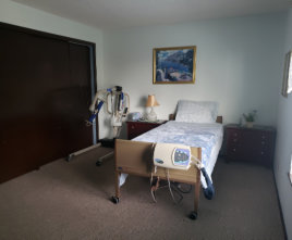 adult room with medical equipments